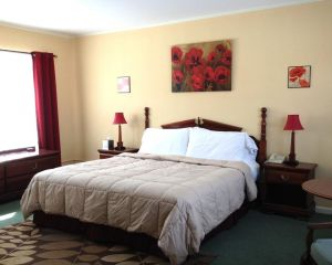 Vinehurst Inn  Suites